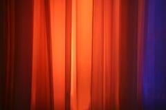 Lumières d'endroit contre le rideau en étape Photo libre de droits