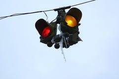 Lumières de circulation avec des glaçons Image libre de droits