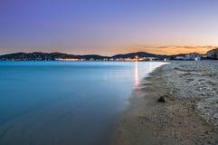 Lumières de coucher du soleil au port Grimaud, France Image stock