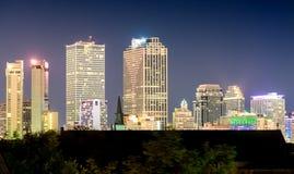 Lumières de la Nouvelle-Orléans, LA horizon de ville la nuit Image stock