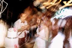 Lumières de la piste de danse et juste des ménages mariés photos libres de droits