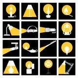 Lumières de lampe dans l'obscurité photographie stock