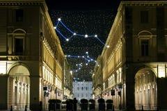 Lumières de Noël à Turin avec des constellations et l'astronomie elles Photos stock