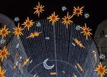 Lumières de Noël au-dessus d'un boulevard à Malaga Images stock