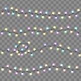 Lumières de Noël d'isolement Décorations rougeoyantes de guirlandes de lumières Photographie stock libre de droits