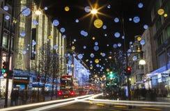 Lumières de Noël de rue d'Oxford à Londres Photo stock