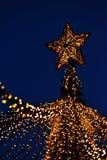 Lumières de Noël le soir photographie stock