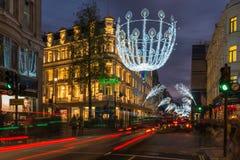 Lumières de Noël sur la nouvelle rue en esclavage, Londres, R-U Photographie stock