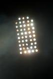 Lumières de stade la nuit Images stock