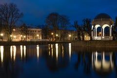 Lumières de Tallinn de nuit Photographie stock libre de droits