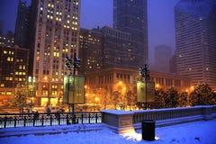 Lumières de tempête de neige et de Chicago image stock