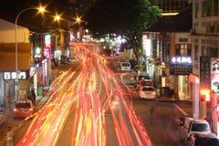 Lumières de traînée à la rue de Singapour Images stock