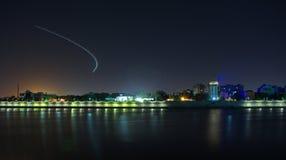 Lumières de traînée d'avion Image stock