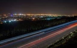 Lumières de traînée de ville Photos libres de droits