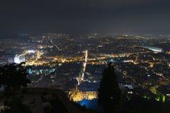 Lumières de ville d'Athènes Grèce Vue de nuit de carrefours Images stock