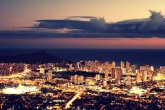 Lumières de ville de Honolulu Photo stock