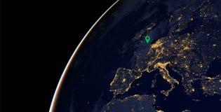 Lumières de ville de l'Europe sur la carte du monde l'europe Des éléments de cette image sont fournis par la NASA Photos libres de droits