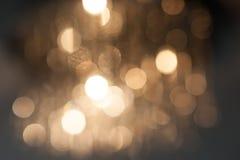 Lumières Defocused d'or de bokeh photo stock