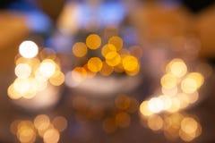 Lumières Defocused de bokeh, lumières de fête et humeur de Noël image stock