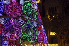 Lumières et bâtiment de Noël menés photos stock