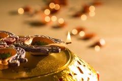 Lumières et diyas de Diwali photographie stock libre de droits