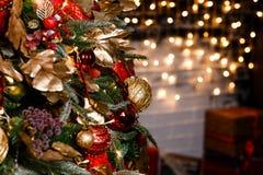 Lumières et guirlandes d'arbre de Noël images libres de droits