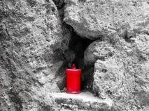 Lumino encaixou na rocha em Calcata Fotografia de Stock Royalty Free