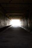 Lumière sur l'extrémité du tunnel Image libre de droits