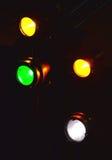 Lumières d'étape dans l'obscurité Image stock