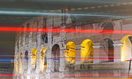 Lumières de nuit de Colosseum Photo libre de droits