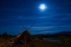 Luna antes del eclipse en la tierra de la tribu de Kalispel foto de archivo