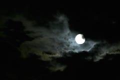 Luna a cielo notturno immagini stock