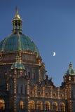 Luna del edificio del parlamento, Victoria, A.C. Foto de archivo libre de regalías