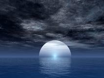 Luna del océano Foto de archivo libre de regalías