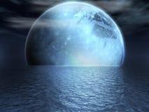 Luna di fantasia sopra un lago Immagini Stock