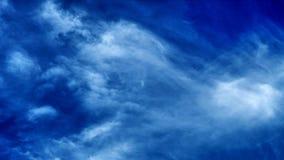 Luna e nuvole su cielo blu Immagine Stock Libera da Diritti