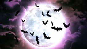 Luna e pipistrelli di Halloween in cielo e nuvole porpora illustrazione di stock