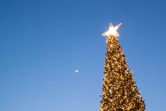 Luna e stella sulla notte di Natale Immagini Stock