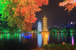 Luna e tempio Guilin Cina della pagoda di Sun Fotografie Stock Libere da Diritti