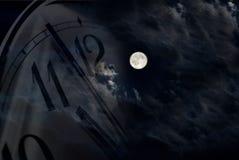 Luna ed orologio Fotografie Stock Libere da Diritti