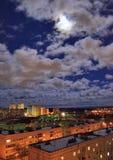 Luna Llena y nubes Imágenes de archivo libres de regalías