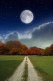 Luna nel paese Immagine Stock