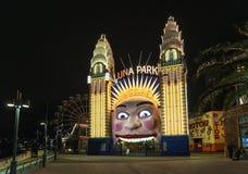 Luna Park Eingang in Sydney Australien nachts lizenzfreies stockfoto