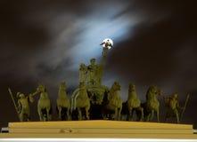 Luna piena sopra la biga di gloria al quadrato del palazzo a St Petersburg Fotografia Stock Libera da Diritti
