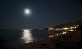 Luna piena sull'isola della Zacinto Immagine Stock
