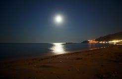 Luna piena sull'isola della Zacinto Fotografia Stock