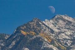 Luna sobre Wasatch fotos de archivo libres de regalías