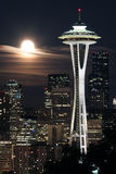 Luna sopra Seattle Fotografia Stock Libera da Diritti