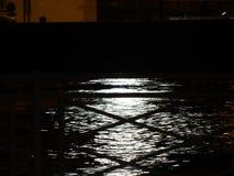 Luna sull'acqua immagine stock libera da diritti