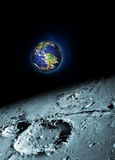 Luna y tierra Imágenes de archivo libres de regalías